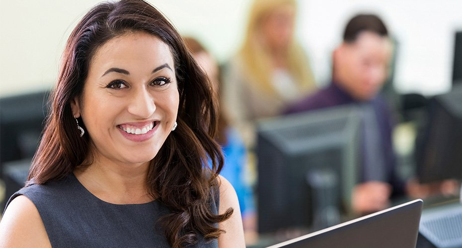 education administration student taking courses online